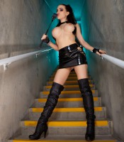 katie_banks_mistress_14