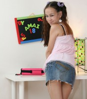 only_teen_blowjobs_amai_liu_13